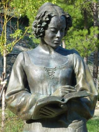 Premio Letterario Isabella Morra - Il mio mal superbo - Statua a Valsinni