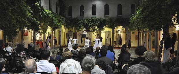 Zeroconfini Onlus - Viole per Enza, spettacolo teatrale contro la violenza di genere, Festival della Letteratura di Milano, estate 2013